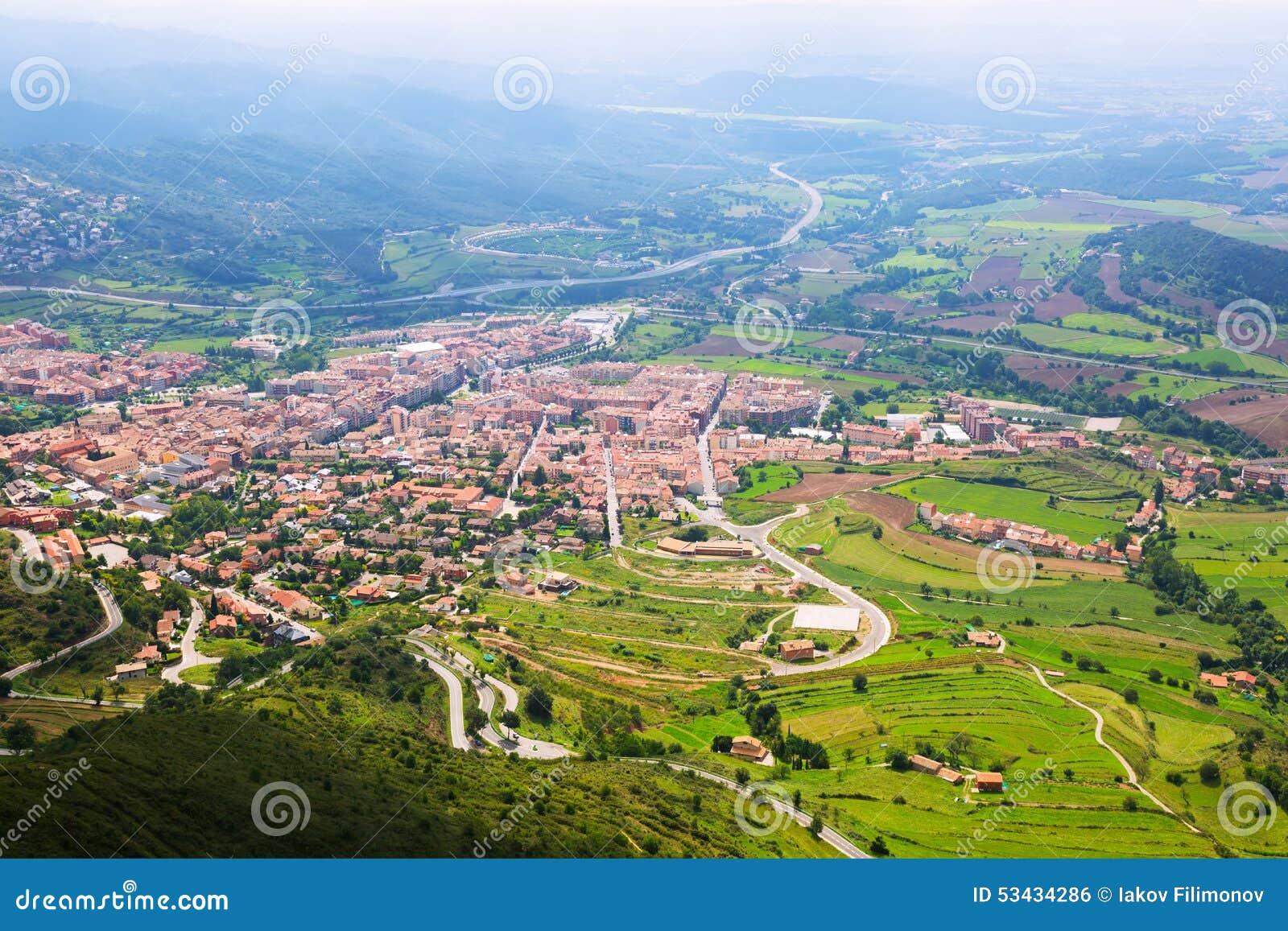 Ciudad en los pirineos berga foto de archivo imagen de - Ciudad de berga ...