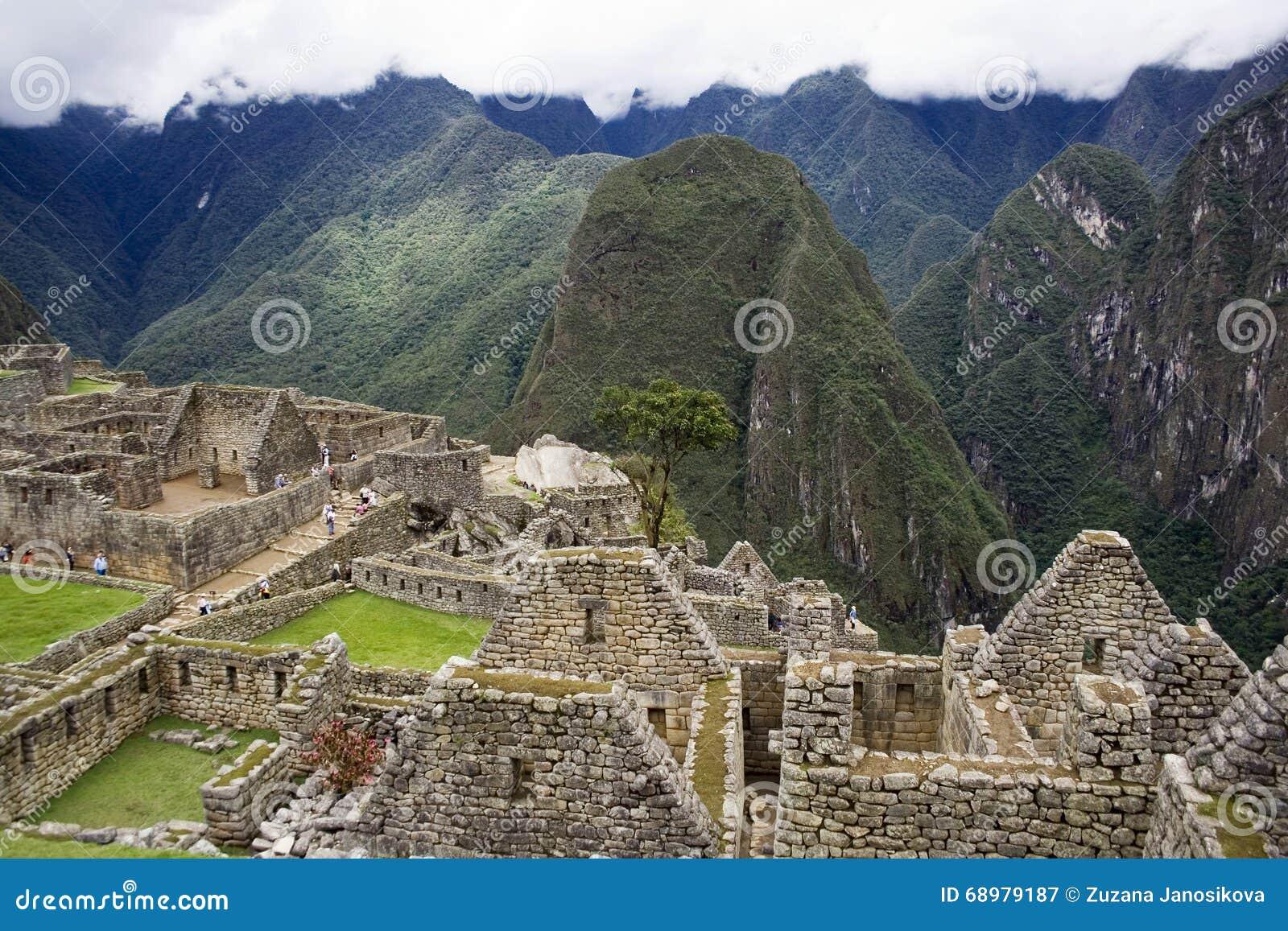 Ciudad Incan antigua de Machu Picchu, Perú