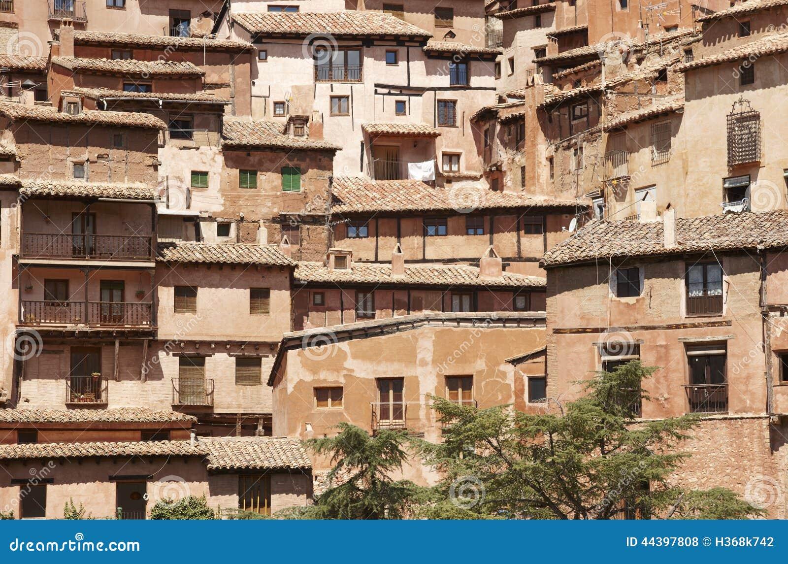 Ciudad pintoresca en espa a casas antiguas albarracin - Casas sostenibles espana ...