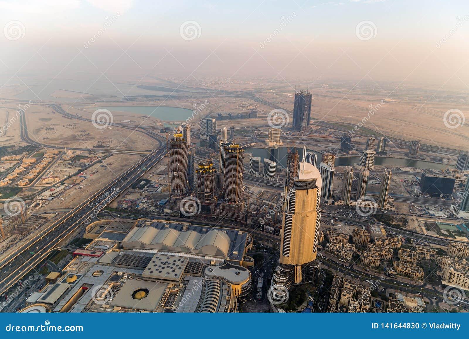 Ciudad United Arab Emirates panorámicos de Dubai de la visión aérea