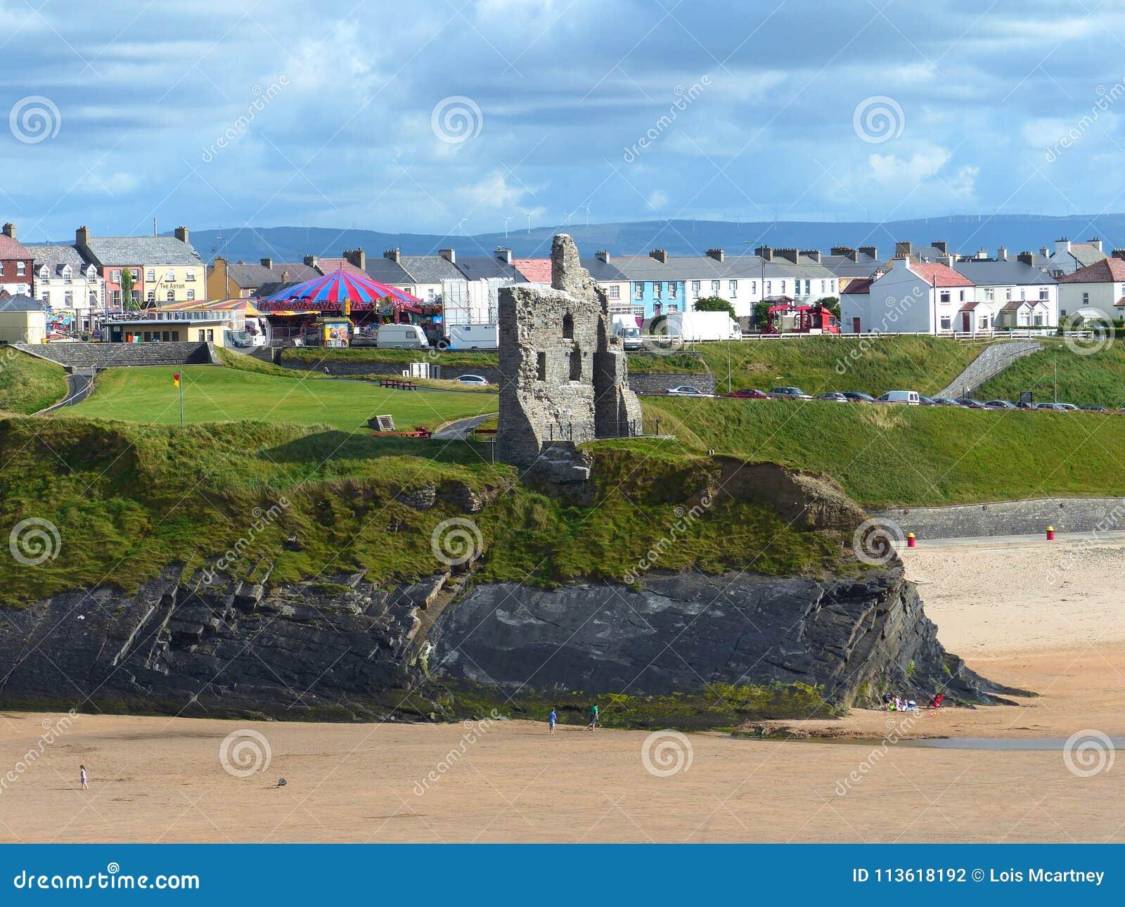 Ciudad y playa de Ballybunion en Irlanda