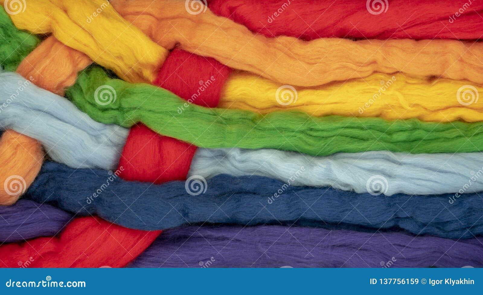 Ciuffi di capelli della forma insieme torta colori differenti i colori dell arcobaleno, foto concettuale