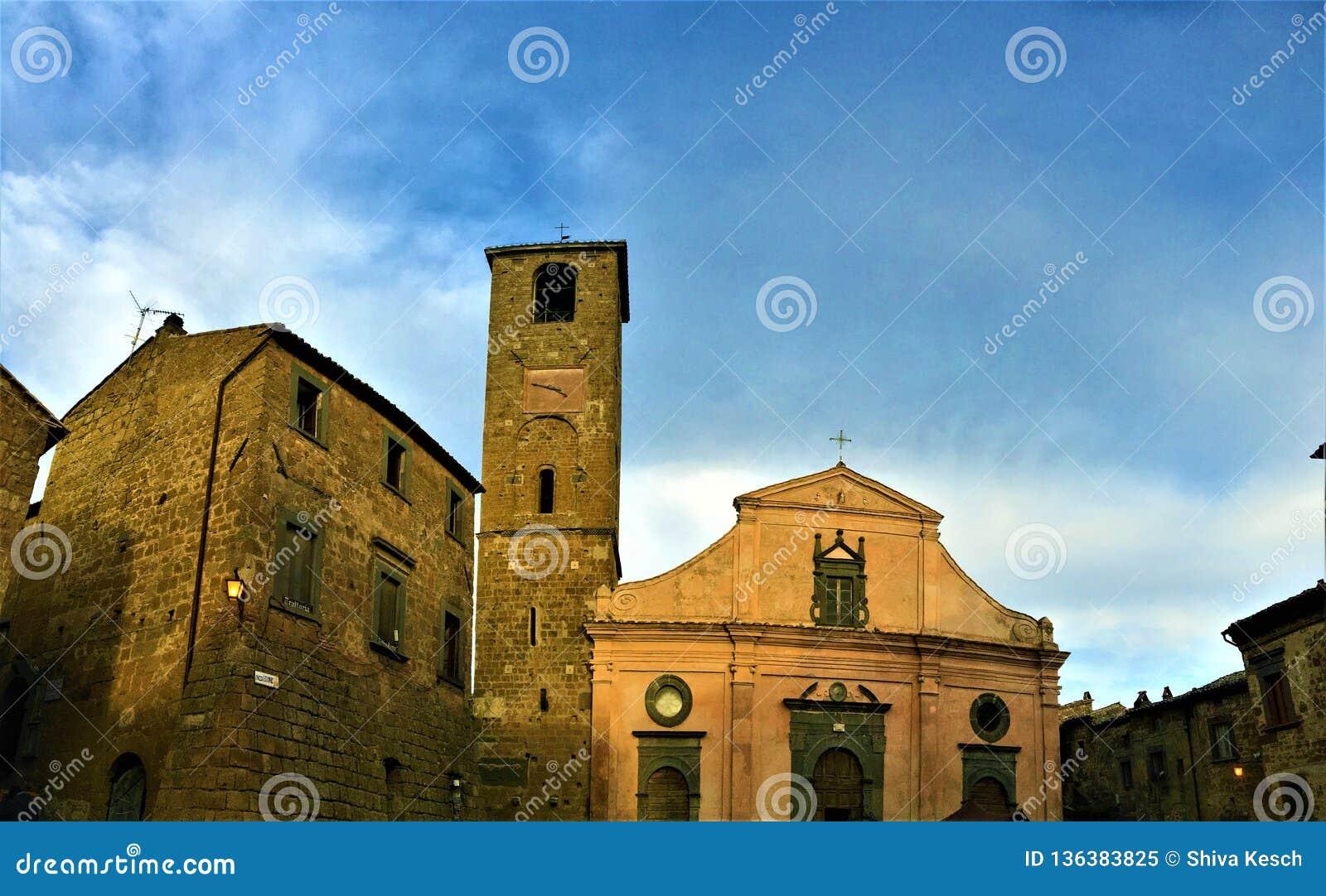 Civita di Bagnoregio, ciudad en la provincia de Viterbo, Italia Historia, tiempo, arquitectura, iglesia y belleza
