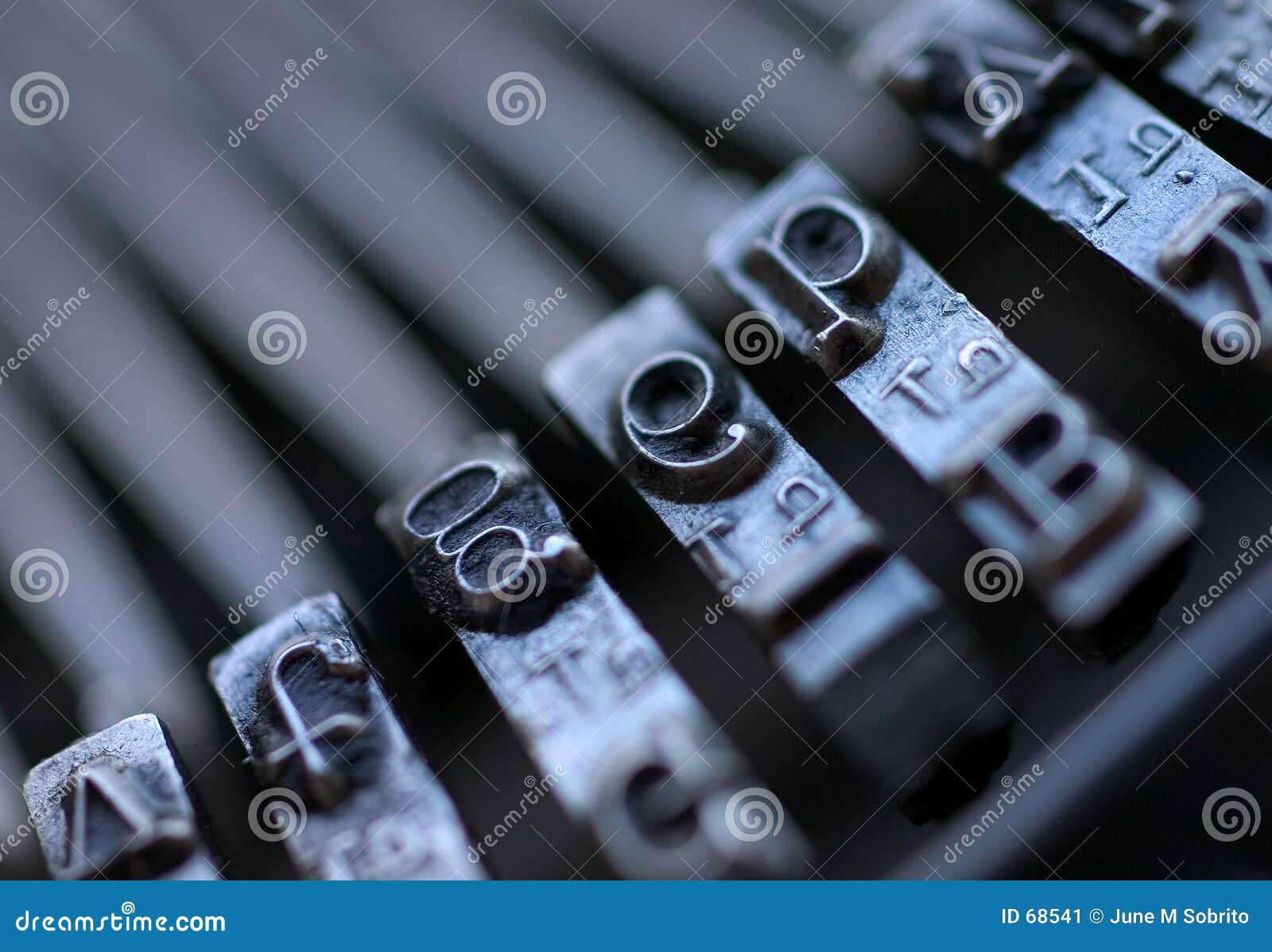 Clés de machine à écrire de cru