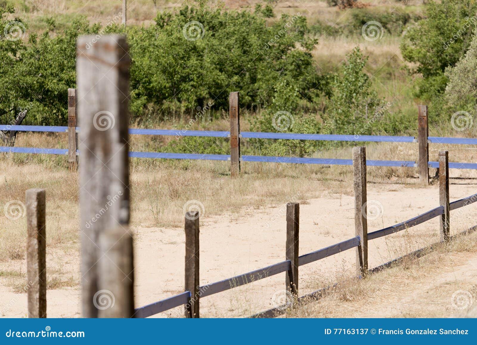 Clôturez une ferme de cheval