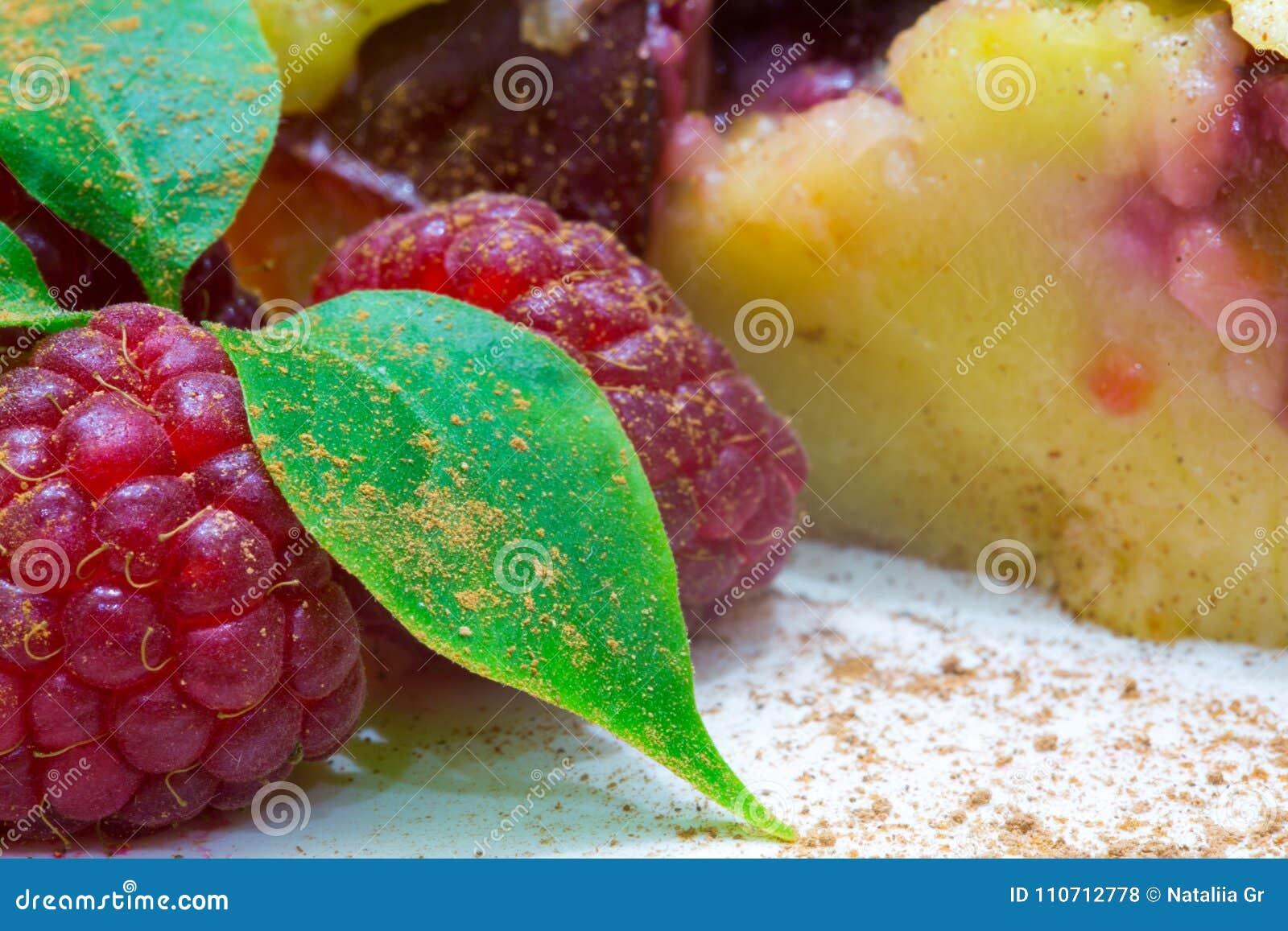 Clafoutis果子饼用莓