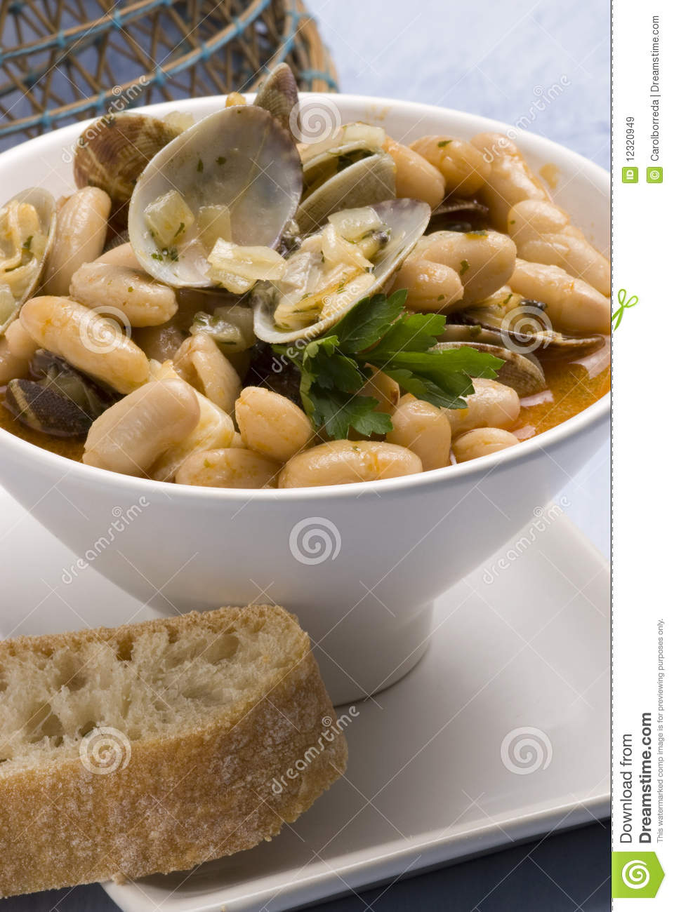 Clams and beans asturias style spanish cuisine royalty for Asturian cuisine