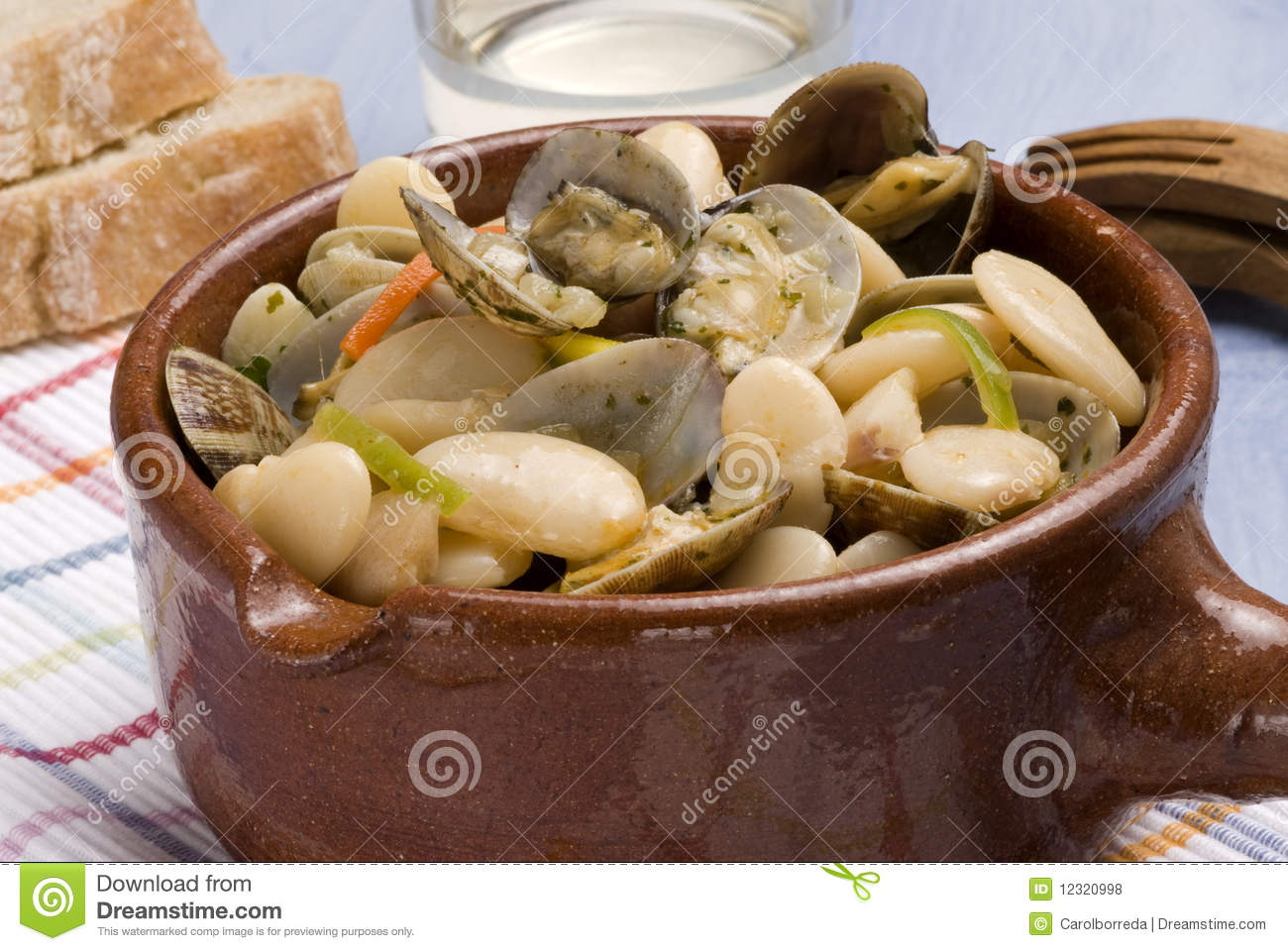 Clams and beans asturias style spanish cuisine royalty for Asturias cuisine