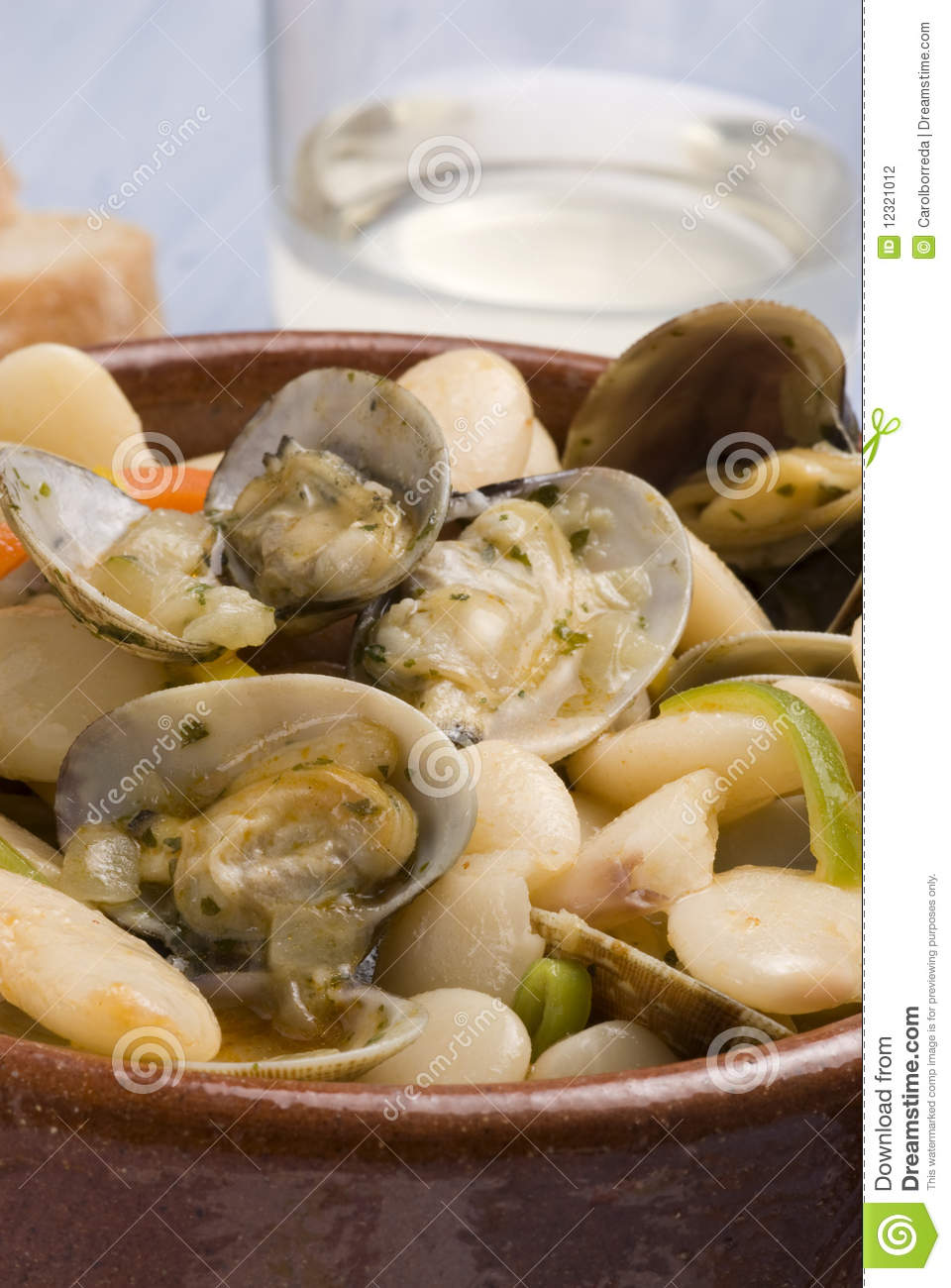 Clams and beans asturias style spanish cuisine stock for Asturian cuisine