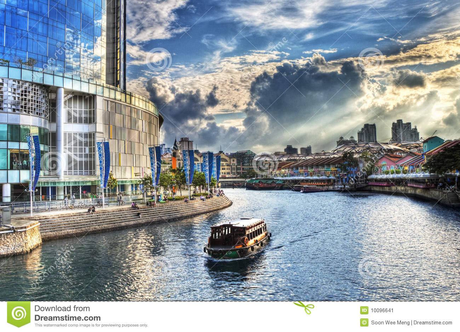 Clarke Quay at Singapore River