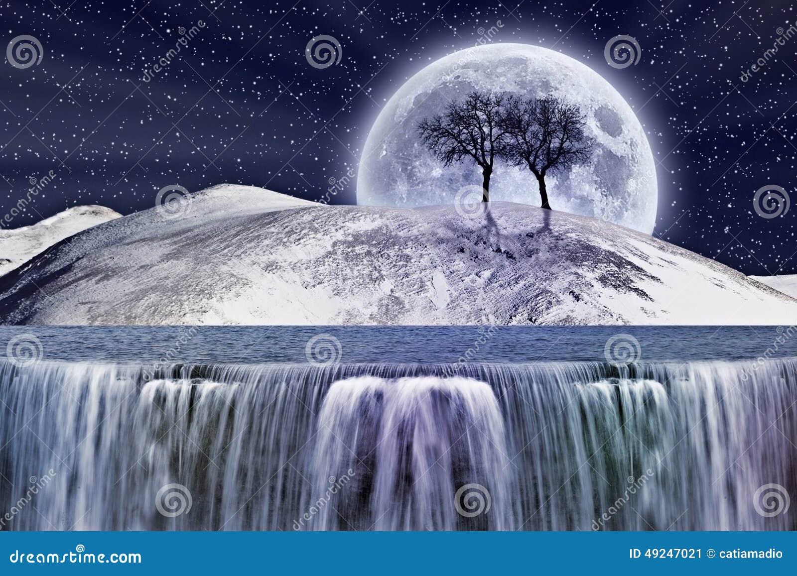 Claro de luna fantástico del invierno