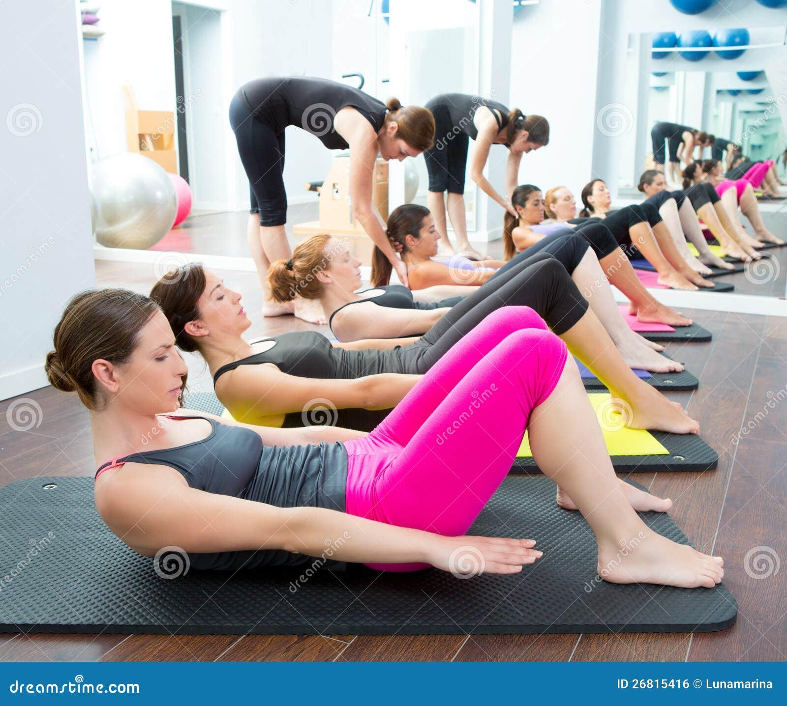 Classe personnelle aérobie de groupe d avion-école de Pilates