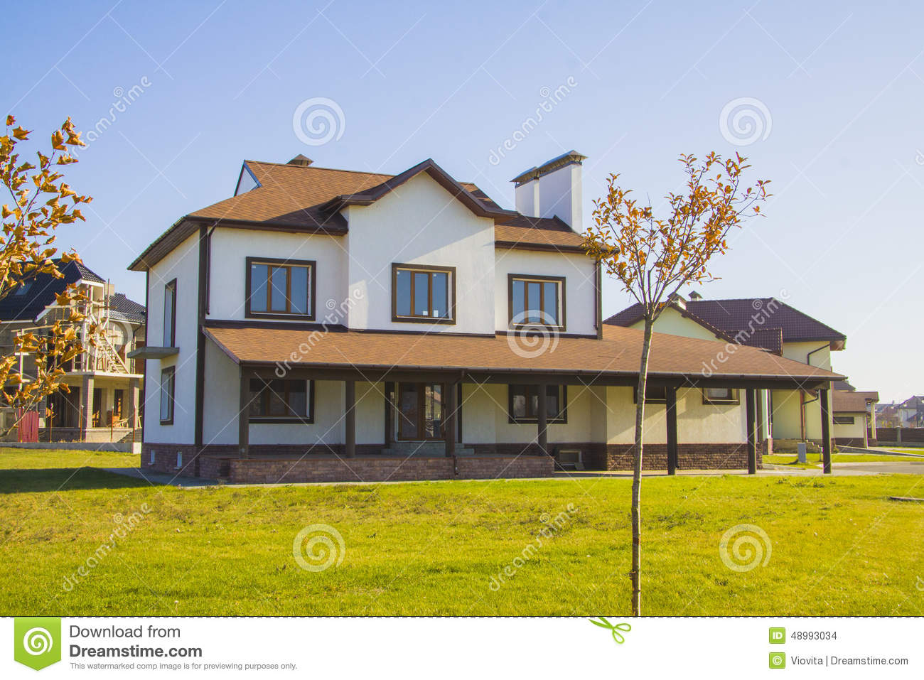 Classic american house with garden stock photo image for American classic house style