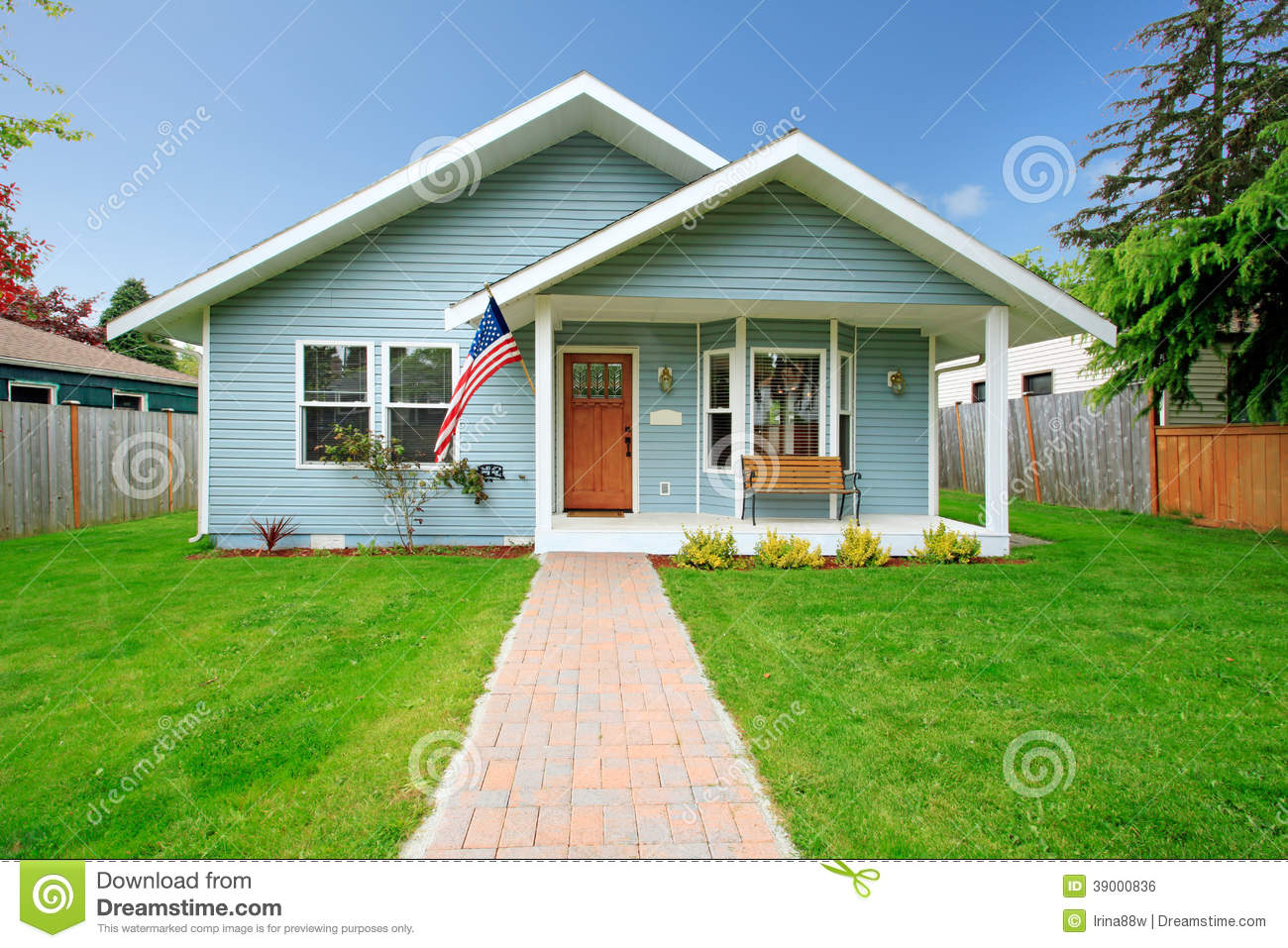Classic american house stock photo image 39000836 for American classic house mouse