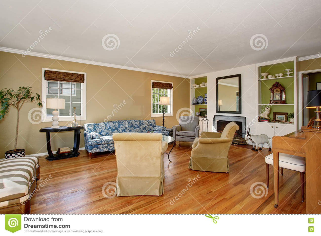 Classic american living room interior beige and green for American house interior decoration