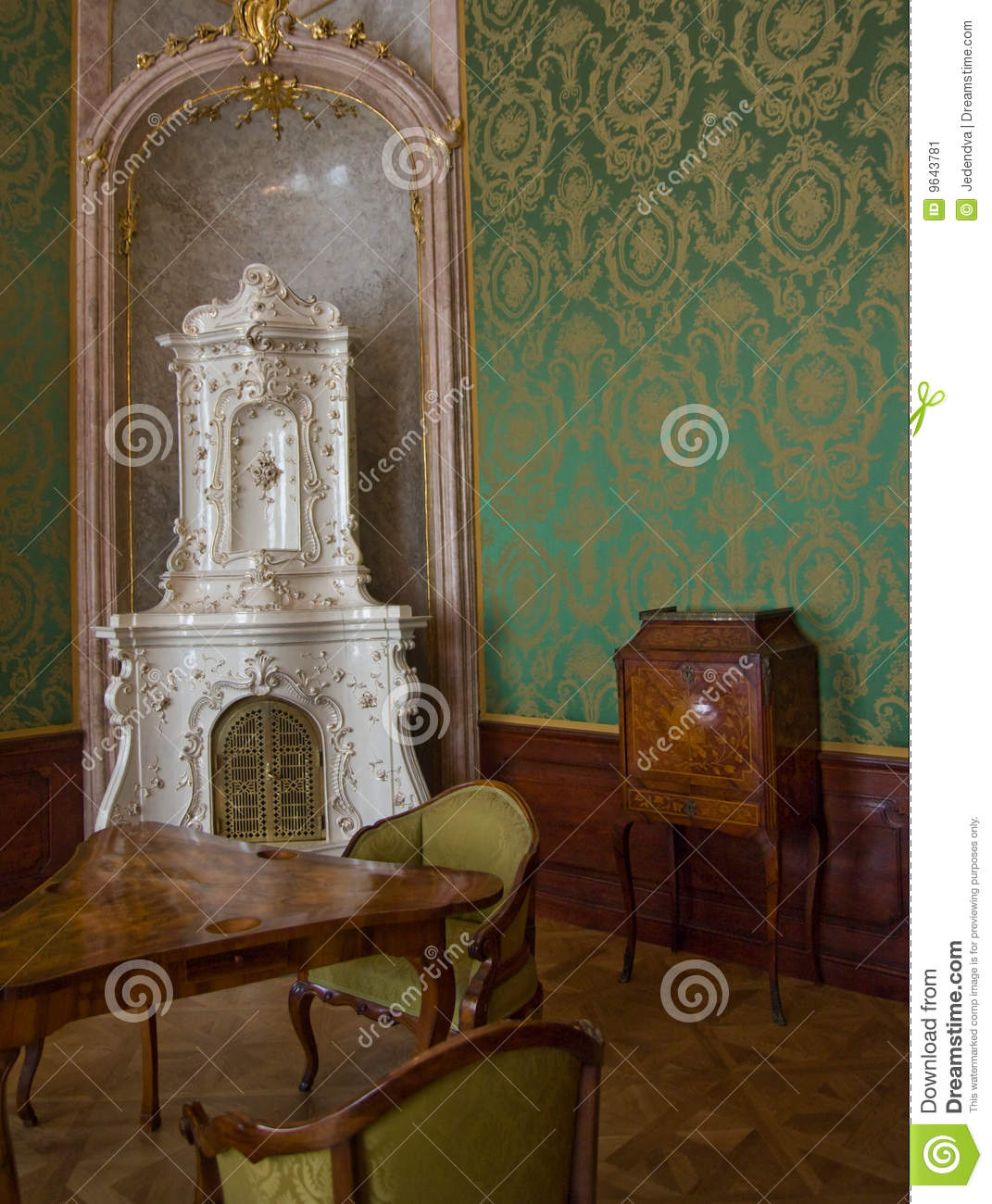 Classic baroque interior stock image image 9643781 for Interieur baroque