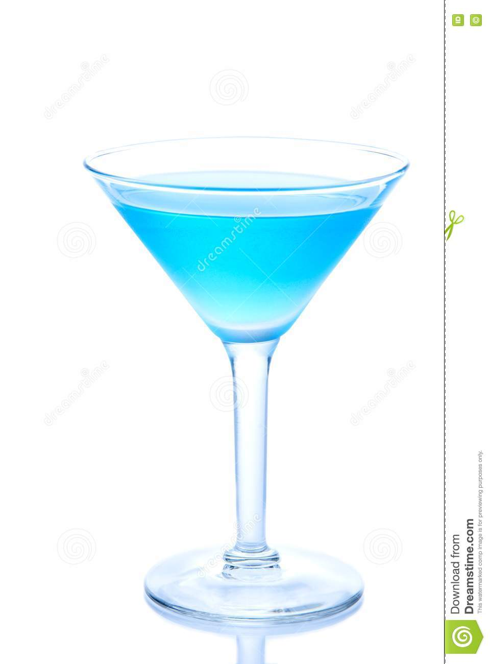 Classic blue cocktail stock photos image 17332693 for Light cocktails with vodka