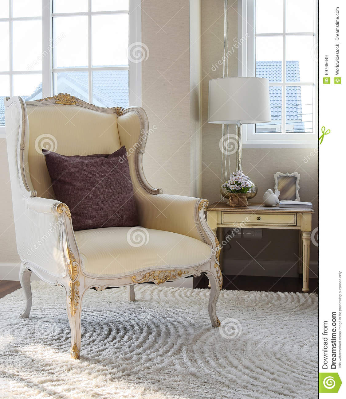 Retro Bedroom Chairs Persian Carpet Bedroom Blue Grey Bedroom Colour Scheme Bench Seat For Bedroom: Classic Chair With Brown Pillow On Carpet In Vintage