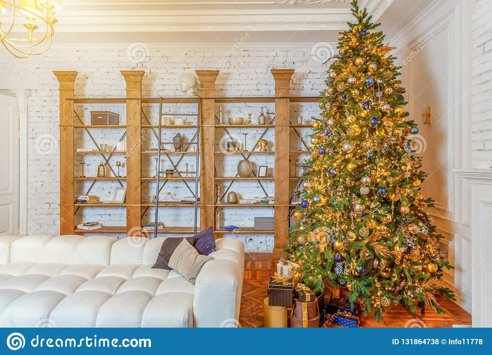 Apartment Christmas Decorations Indoor.Classic Christmas New Year Decorated Interior Room Editorial