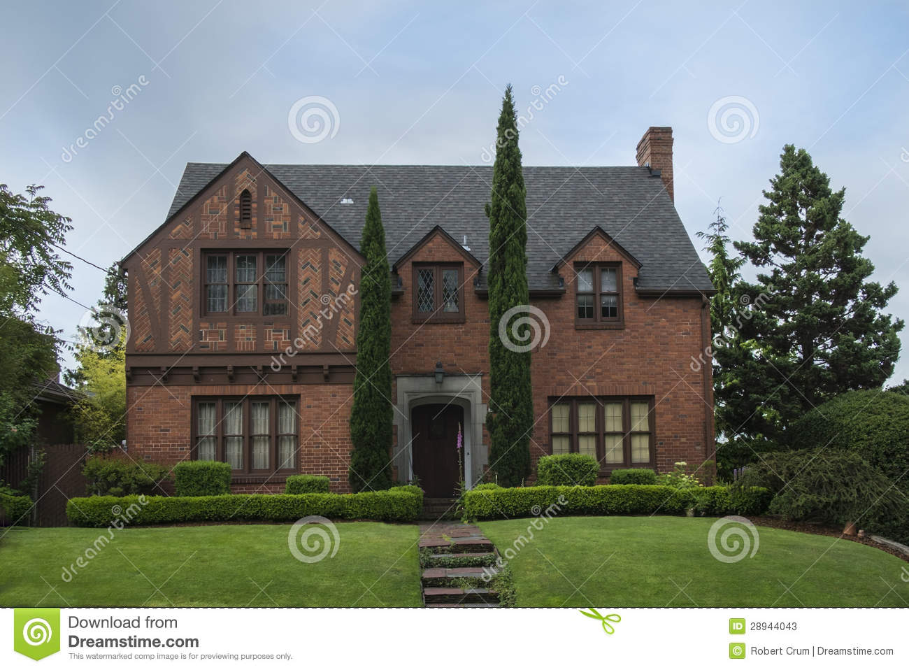 Classic colonial brick house stock photos image 28944043 for Colonial brick