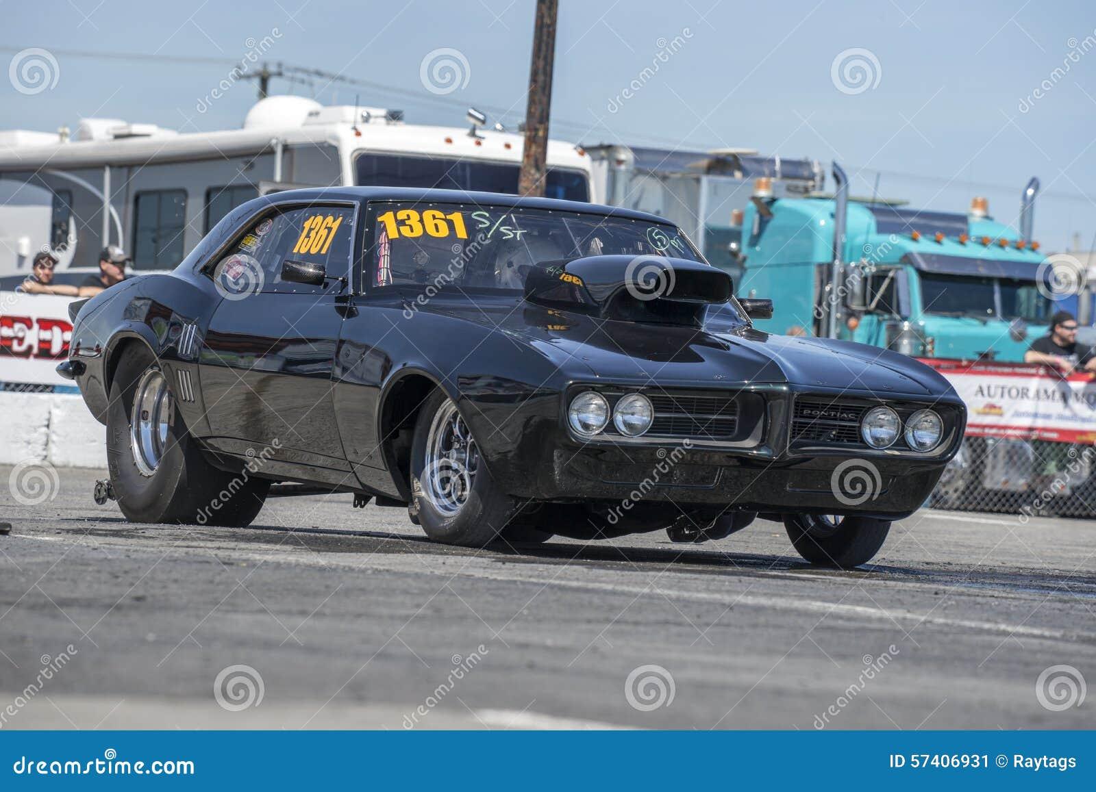 Drag racing editorial photo. Image of photo, machine - 57406931