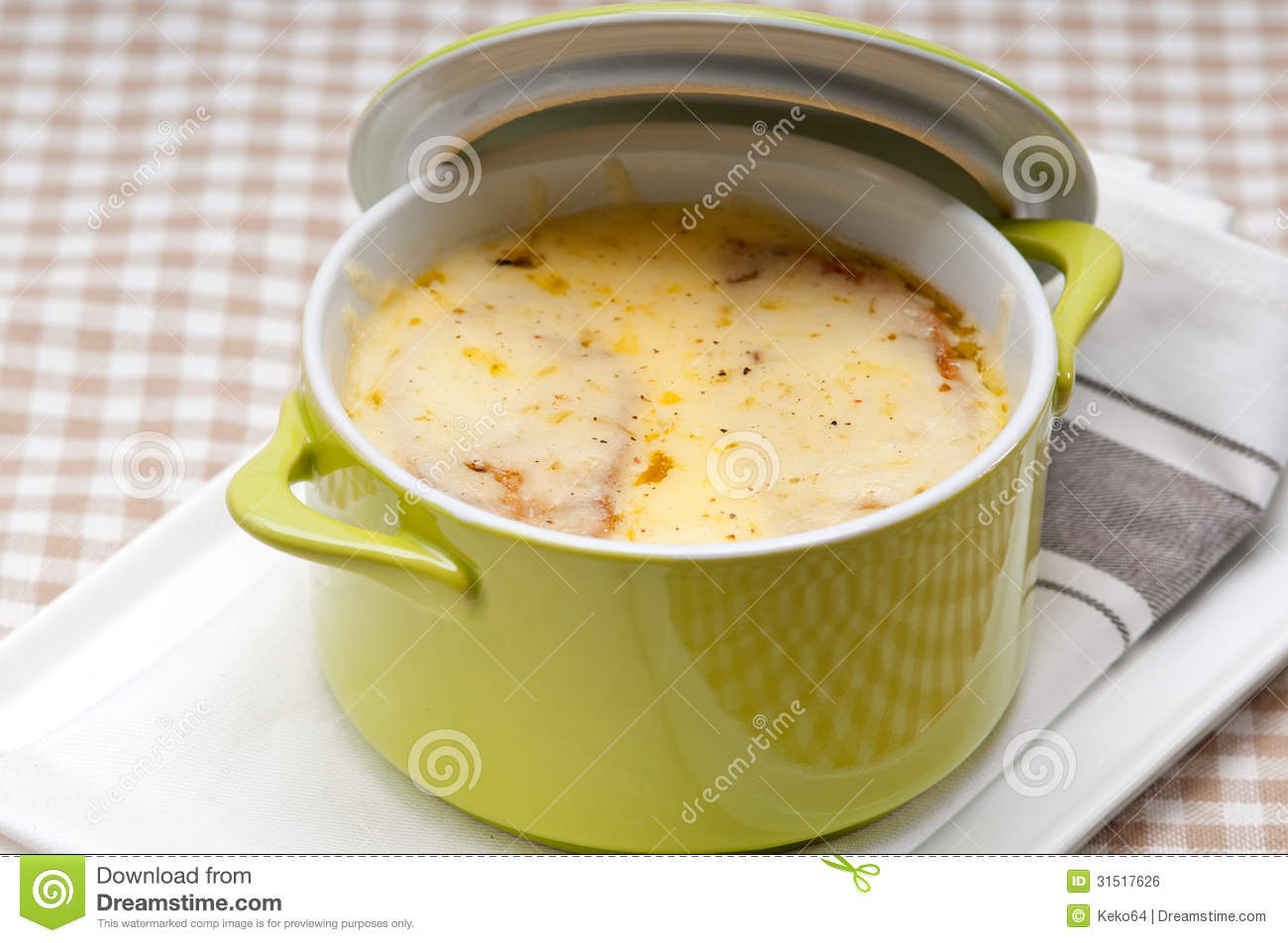 what cheese is melted on french onion soup