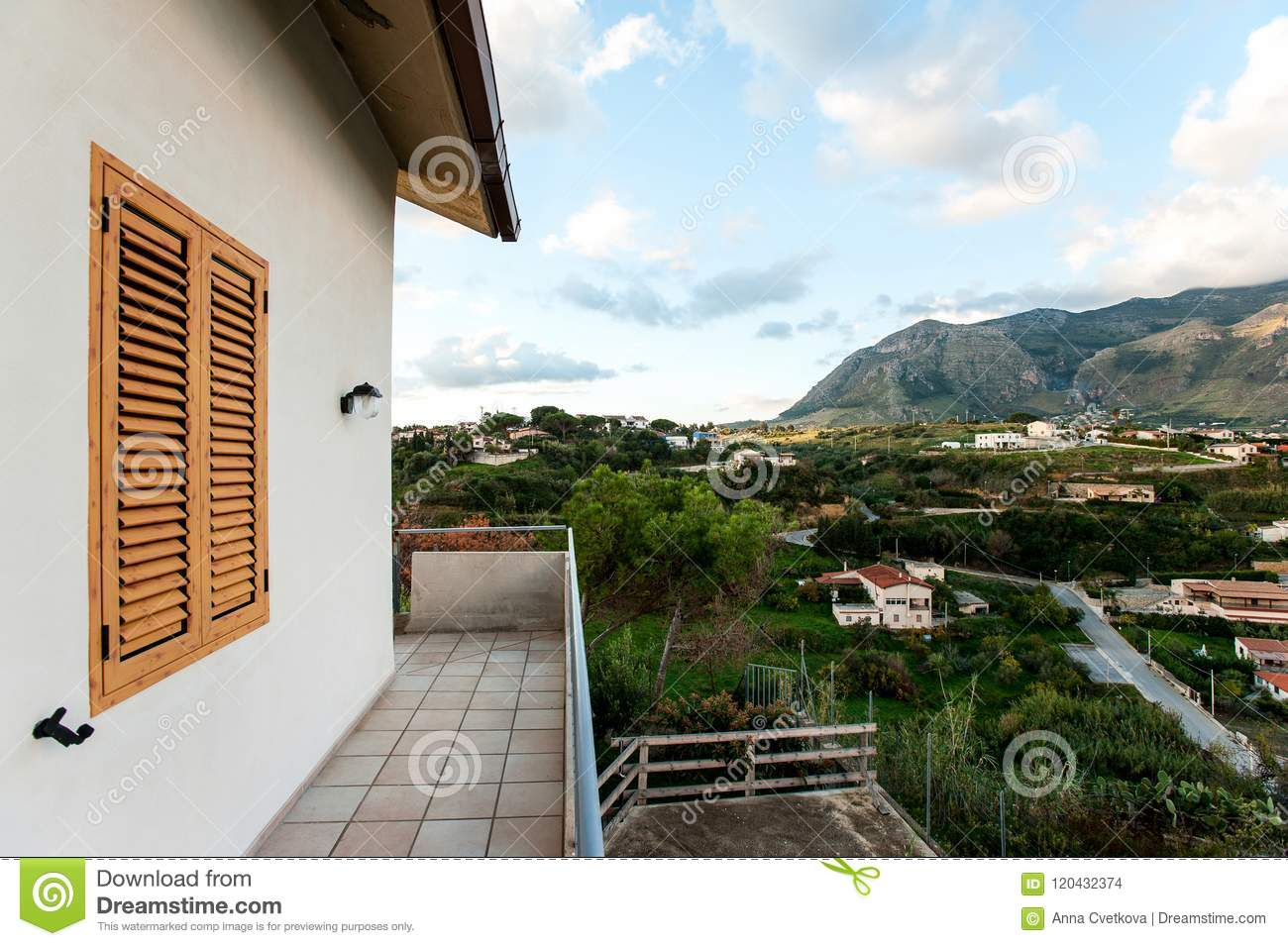 classic italian house with spectacular mountain view from balconyclassic italian house with spectacular mountain view from balcony