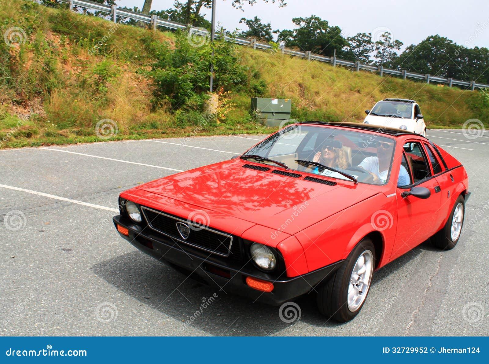 Watch also Leve Vitre Fiat 500 as well Fiat 500 Ribelle E Fiat 500l Urban Trekking Largo Al Bicolore additionally Fiat Punto 1 2 Punto Azzurro Tuning also 80 Pour Noel Offrez Une Auto Dans Votre Deco. on fiat 500 audio
