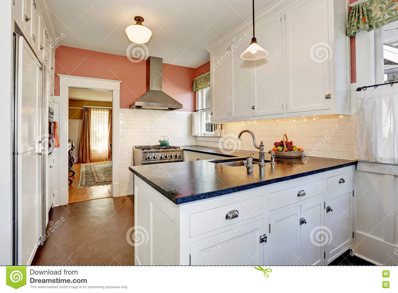 Classic Kitchen Room With White Cabinets Granite Counter Top And Hardwood Floor Stock Image Image Of Home House 77322797