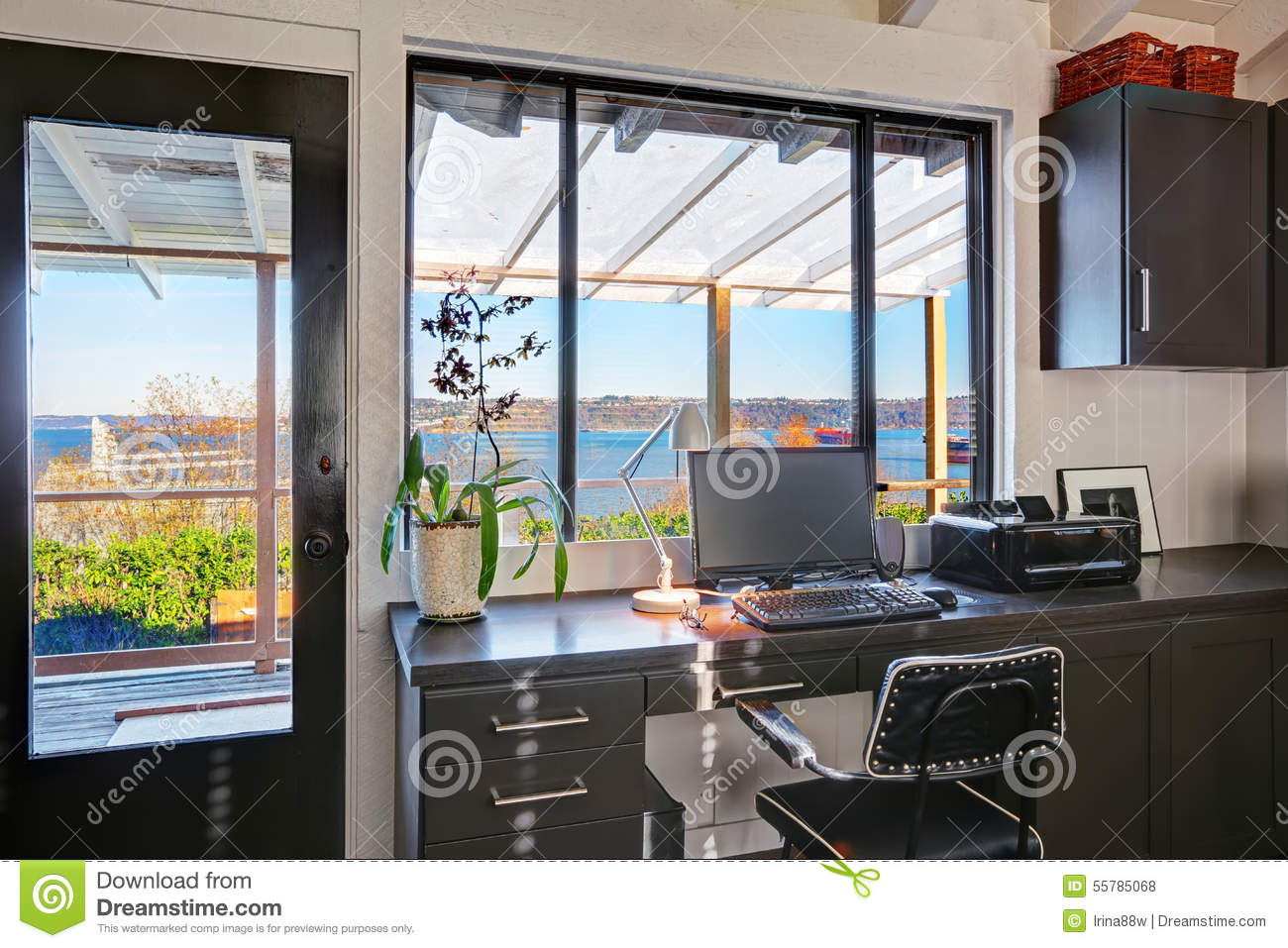 beautiful bright office. american beautiful bright office r