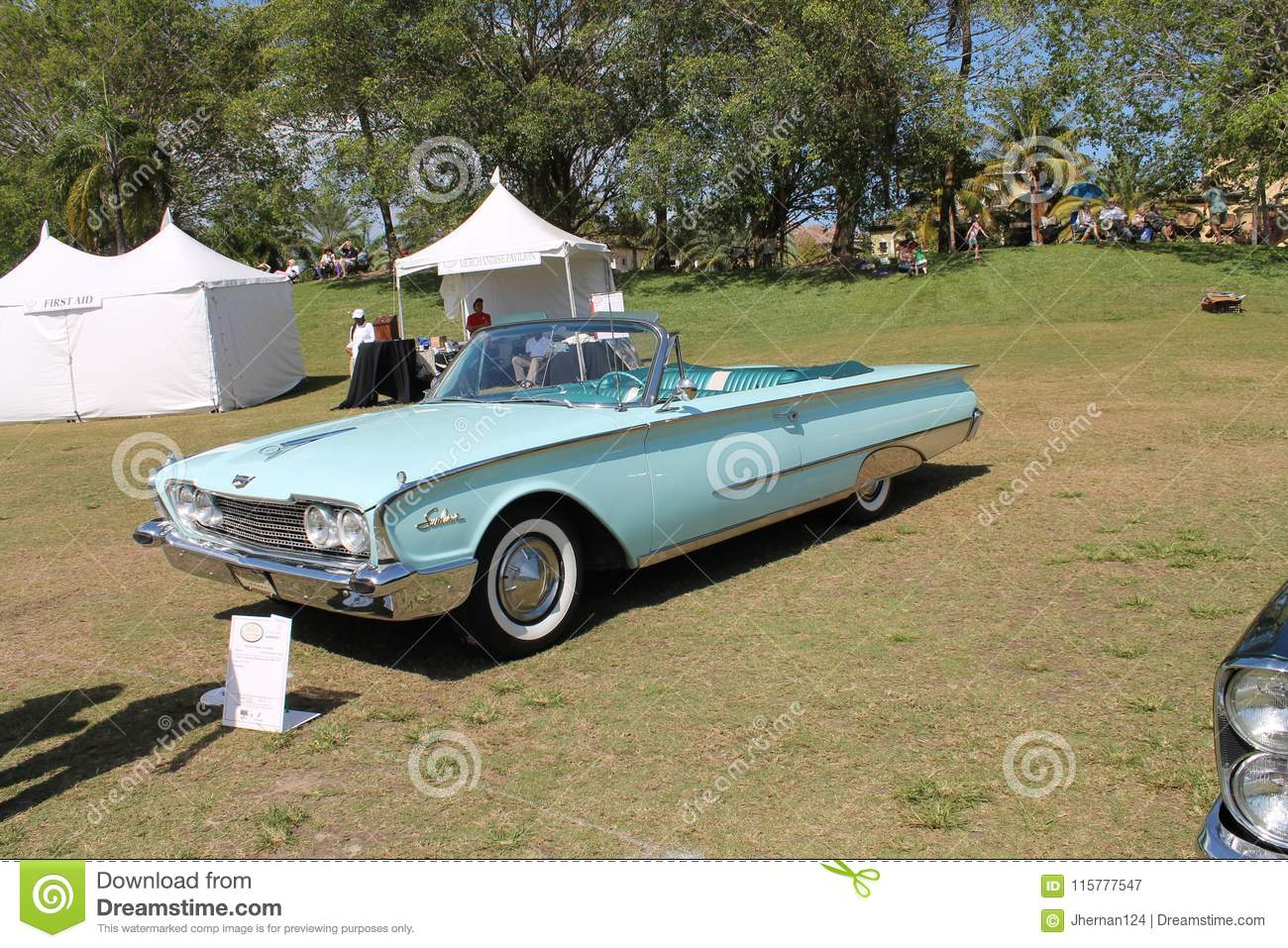 Classic Luxury American Convertible Car On The Lawn Editorial Photography Image Of Bumper Concours 115777547