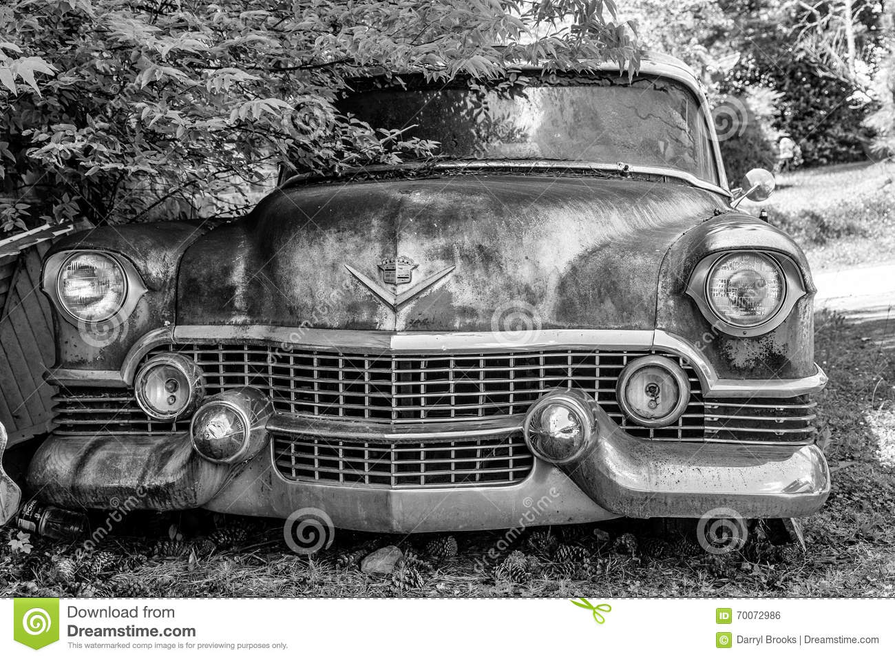 Classic Old Cadillac Editorial Photo Image Of Auto Damaged 70072986