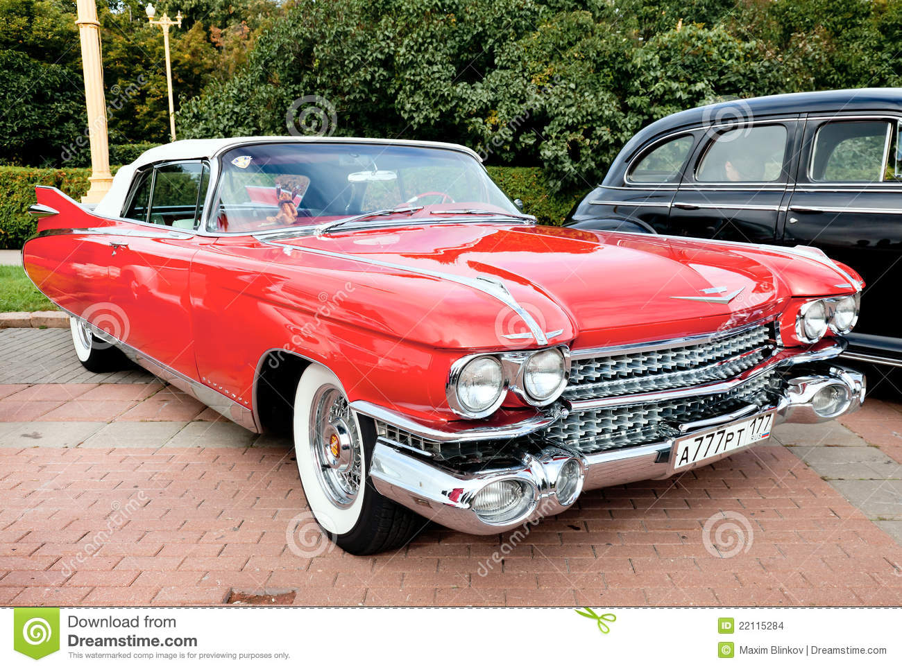 Classic old car red editorial stock image. Image of aged - 22115284