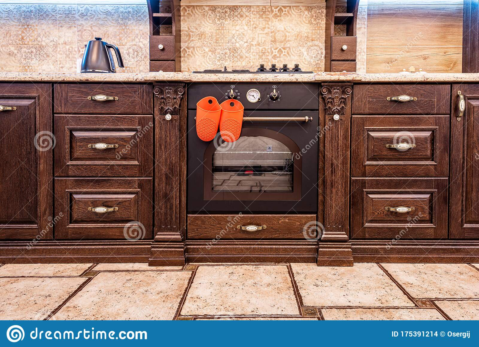 5,5 Old Kitchen Furniture Photos - Free & Royalty-Free Stock
