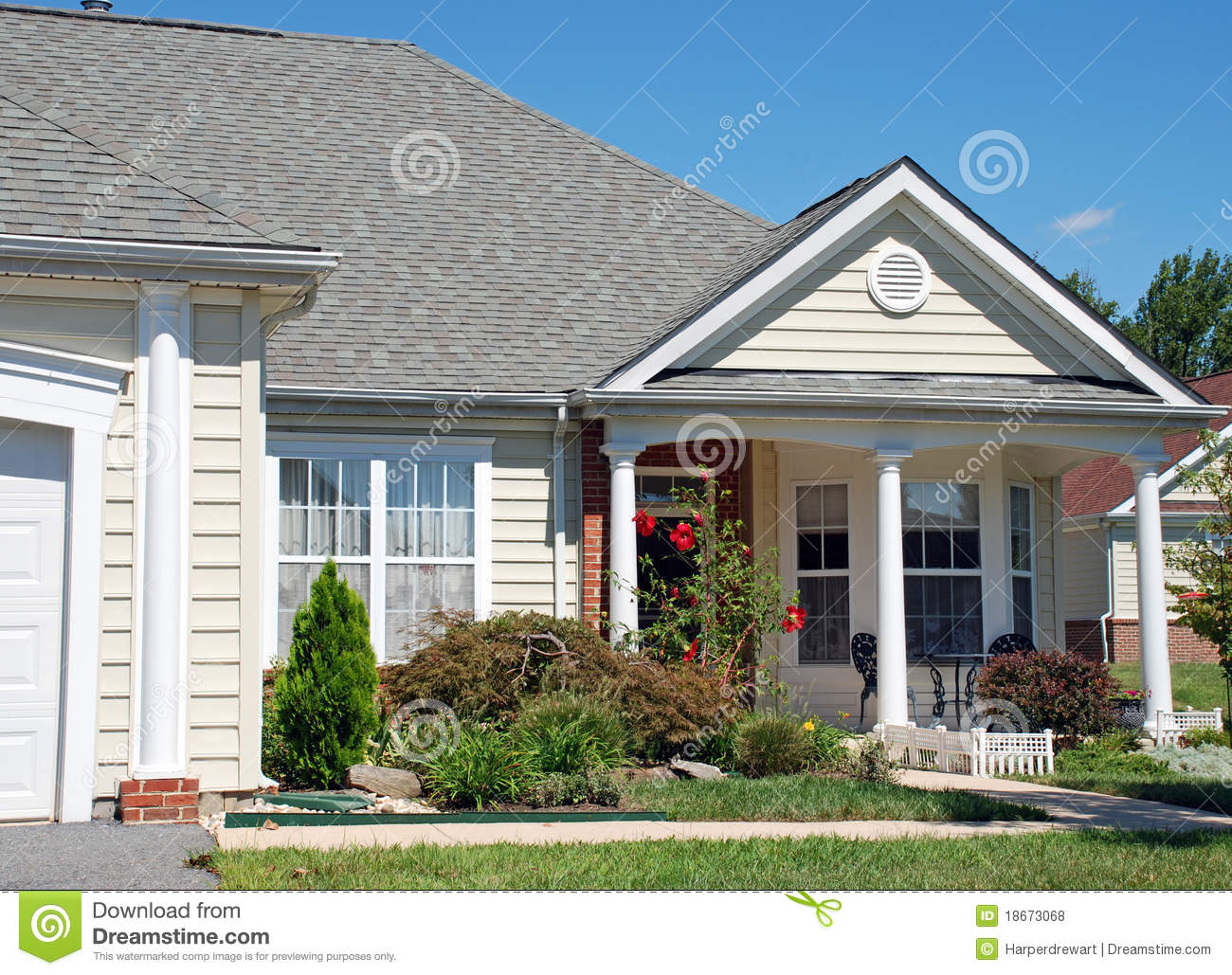 Classic One Story Home 102 Royalty Free Stock Photos