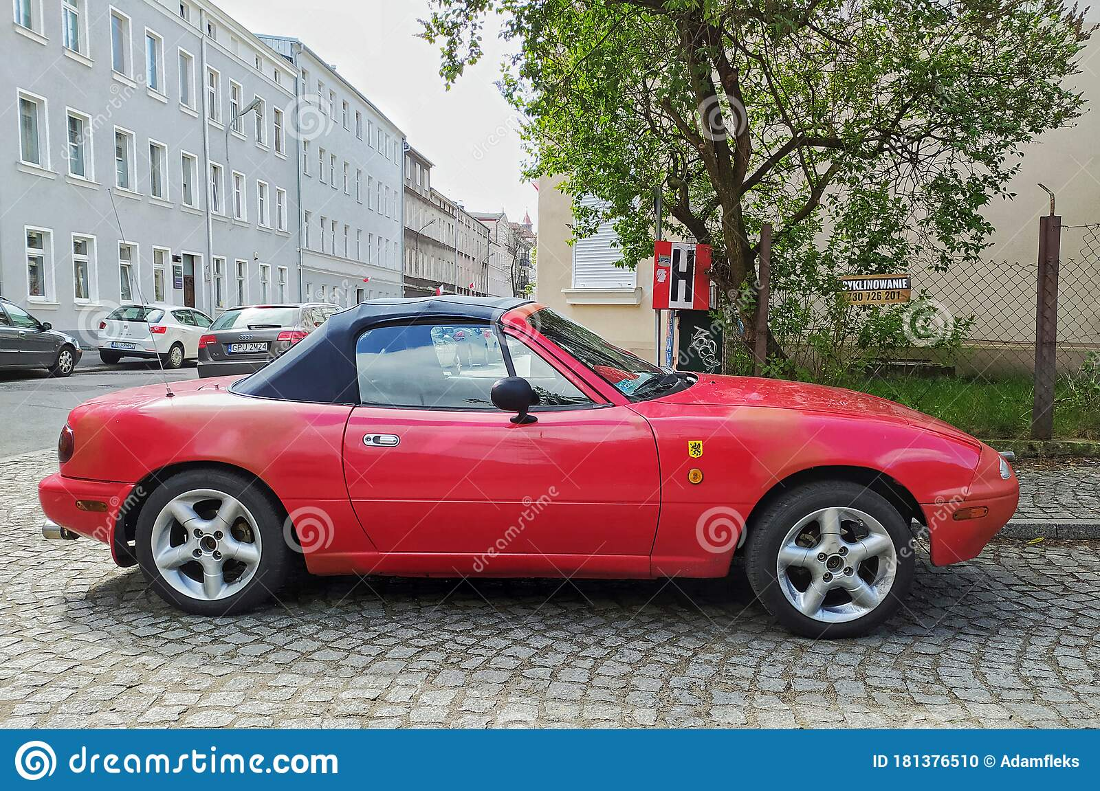 Classic Small Sporting Car Convertible Mazda Mx 5 Parked Editorial Image Image Of Logotype Compact 181376510