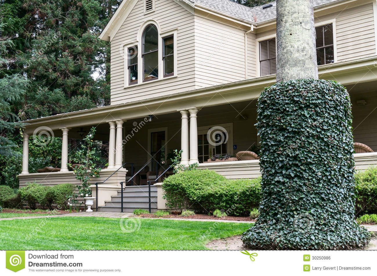 Stately Old Home In Napa Valley California Royalty Free
