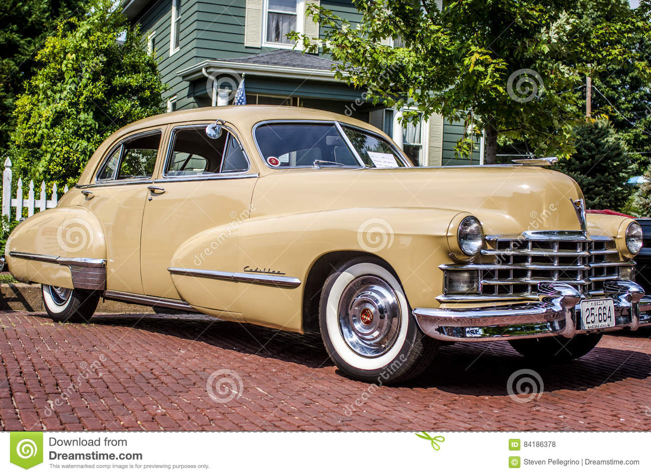 Classic tan Cadillac editorial stock photo. Image of vintage - 84186378