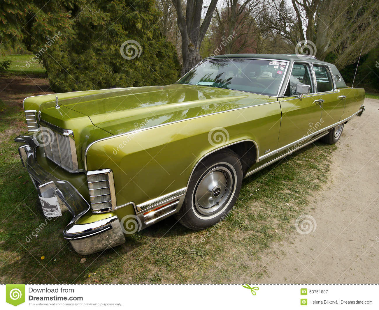 Vintage american classic car lincoln continental for Old classic american cars