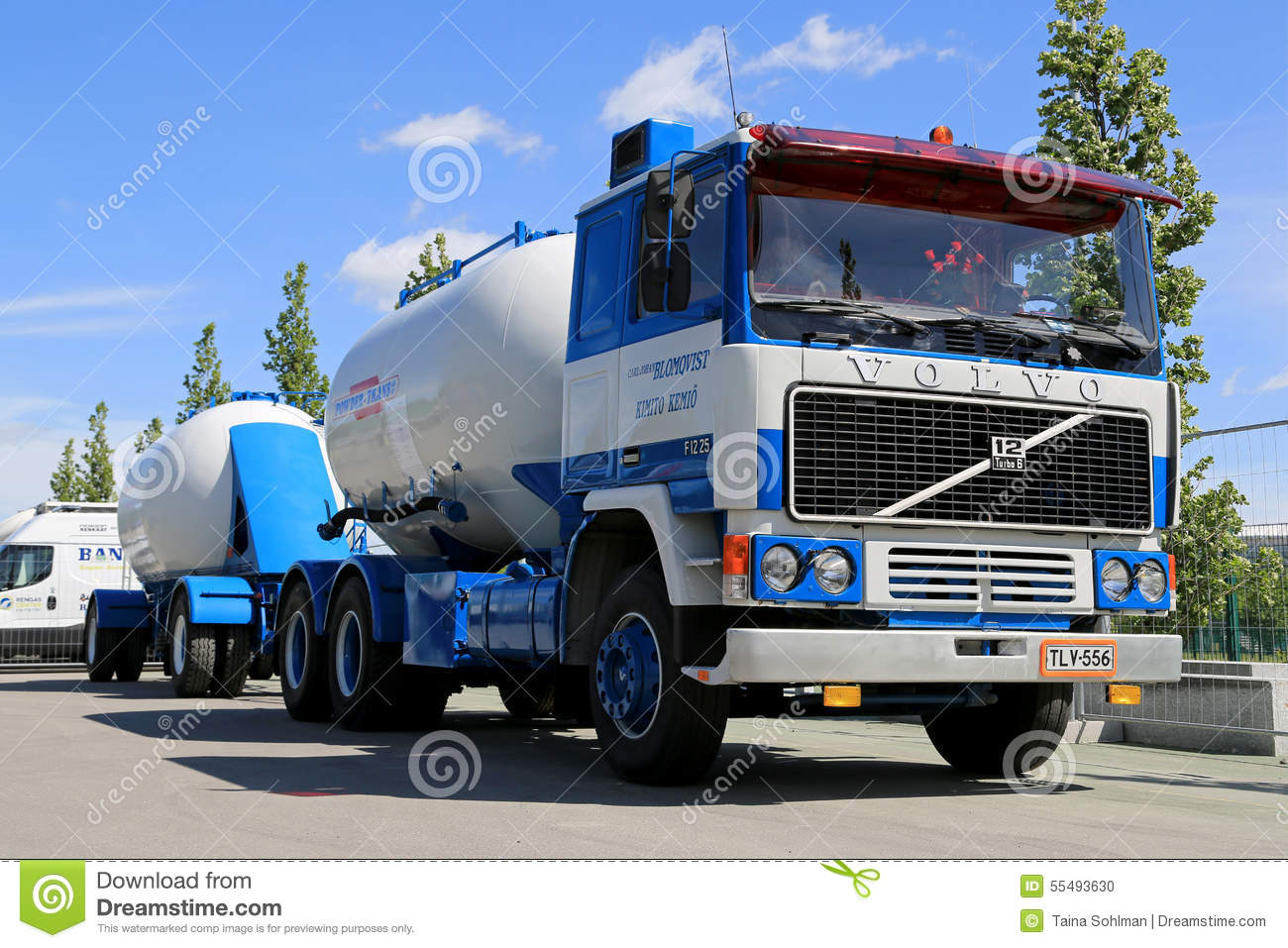 Classic Volvo F1225 Tank Truck For Bulk Transport On Display Editorial Image - Image: 55493630