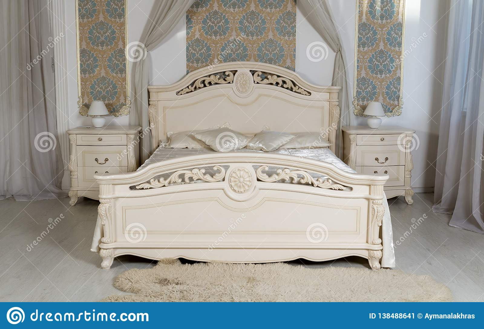 Classic White Bedroom Furniture - King Size Bed With Bedside ...