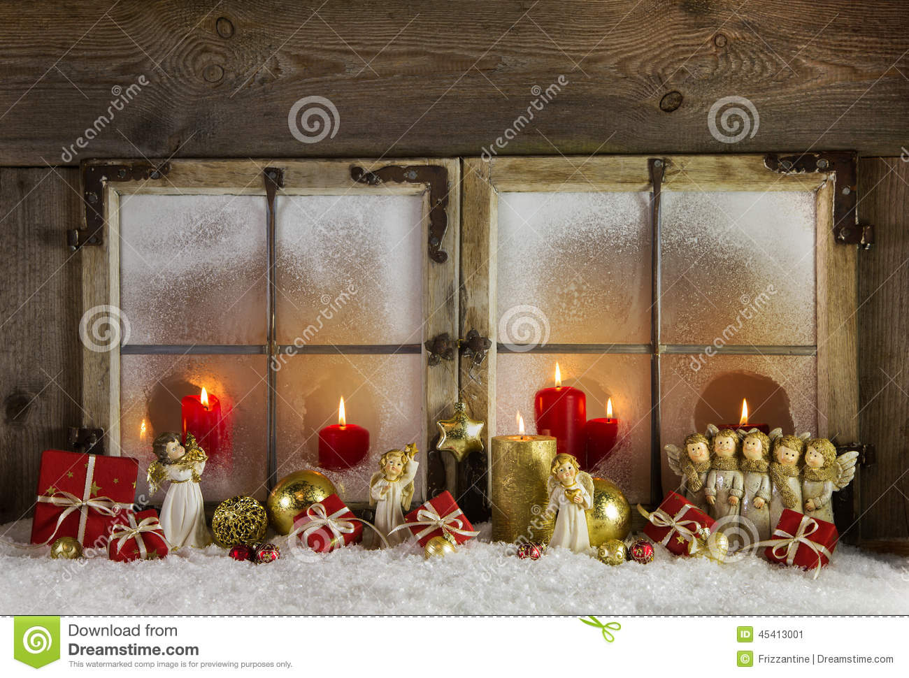 Classical christmas wooden window decoration with red for Decoration noel fenetre gel