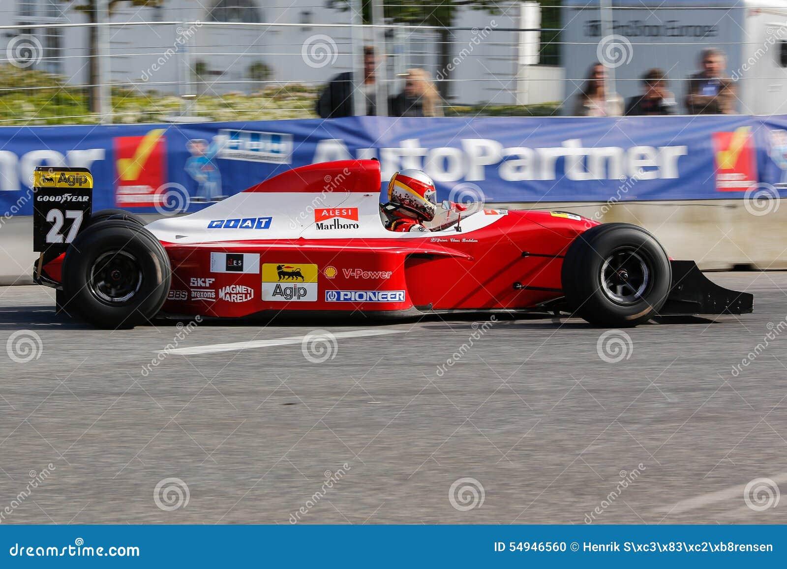Claus Bertelsen Dans Un Formule 1 De Ferrari Jean Alesi