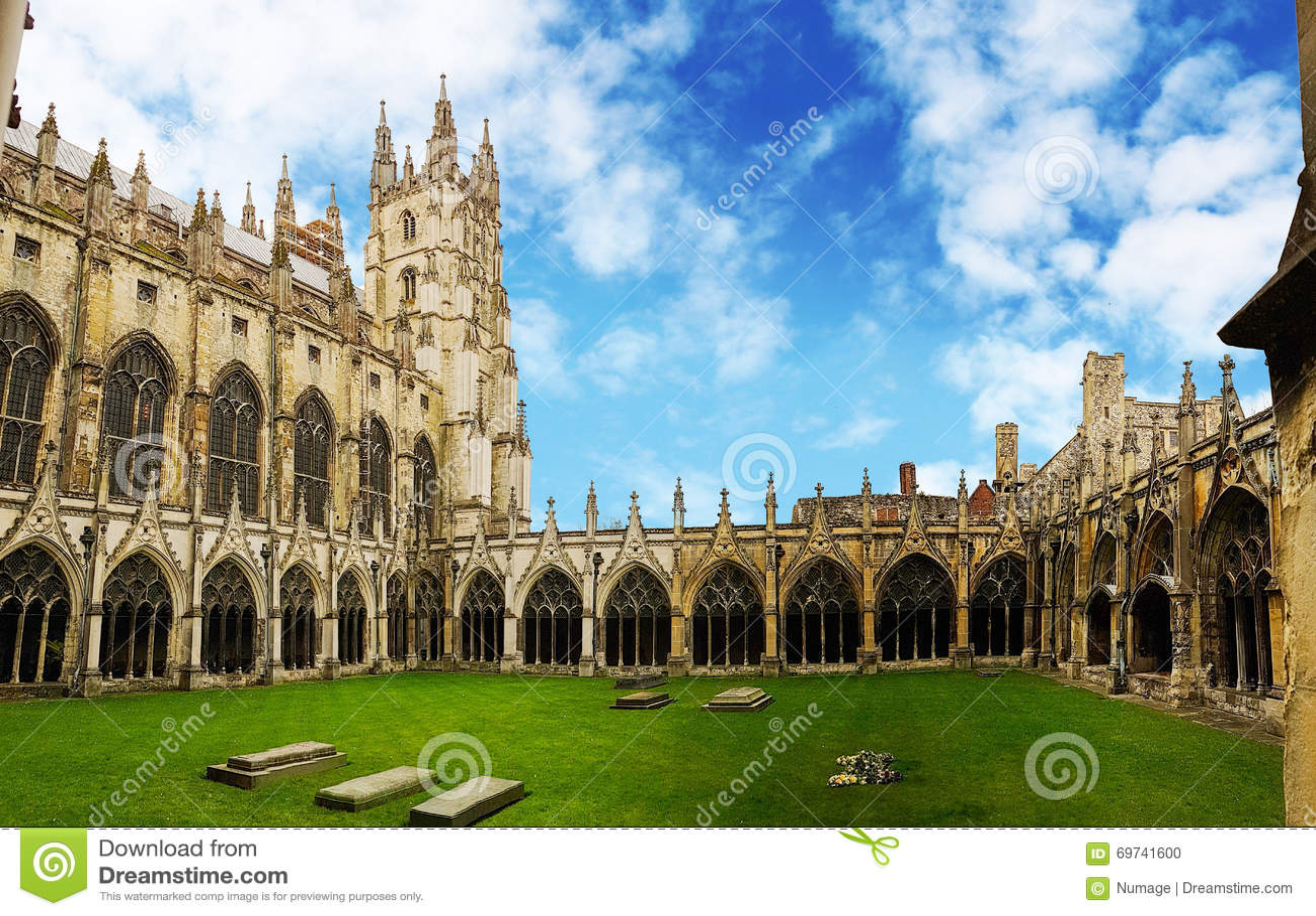 Claustro da catedral de Canterbury, Kent, Reino Unido