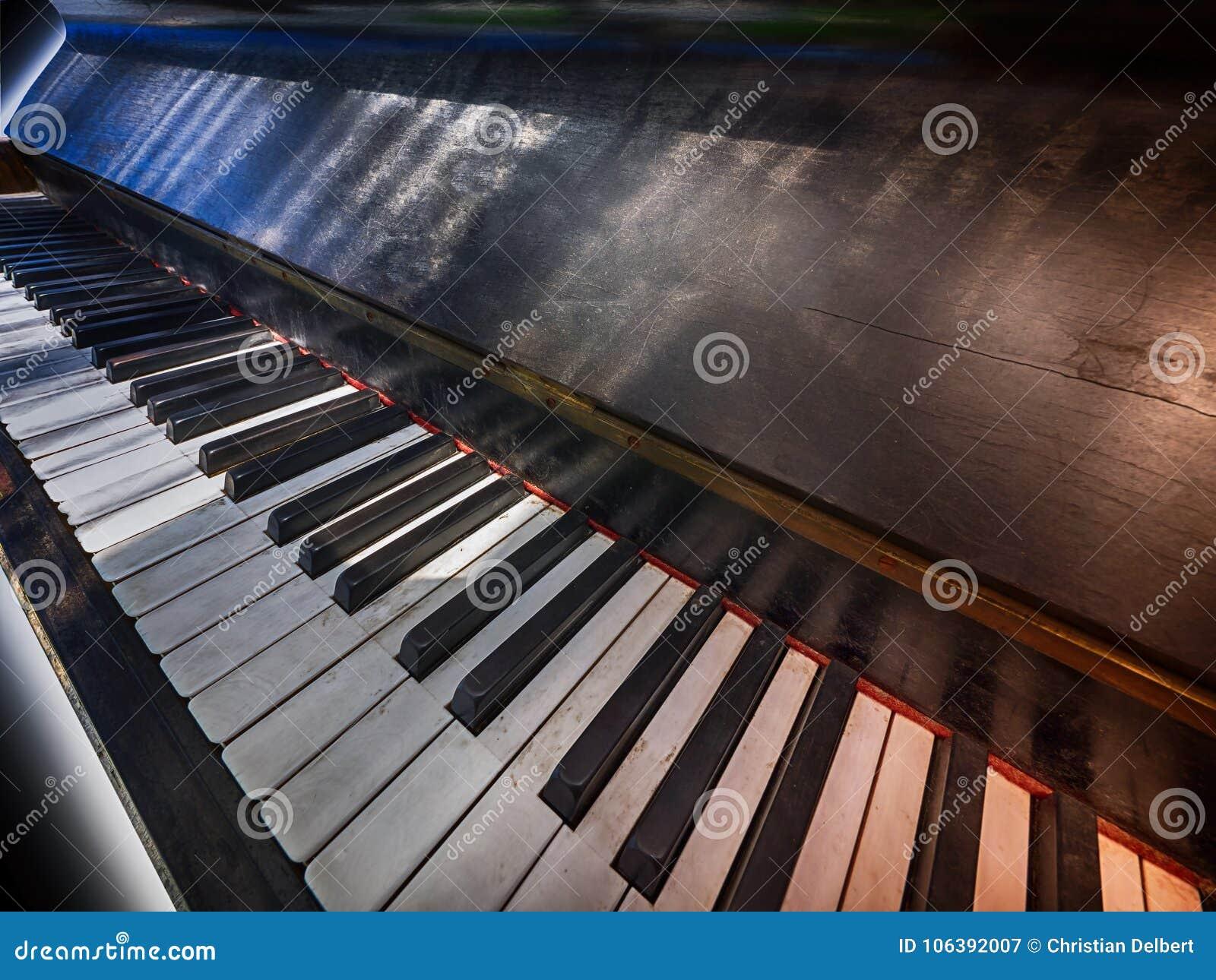 Clavier de piano antique