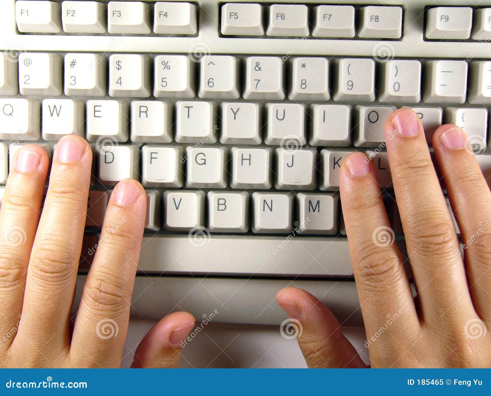 Clavier et main