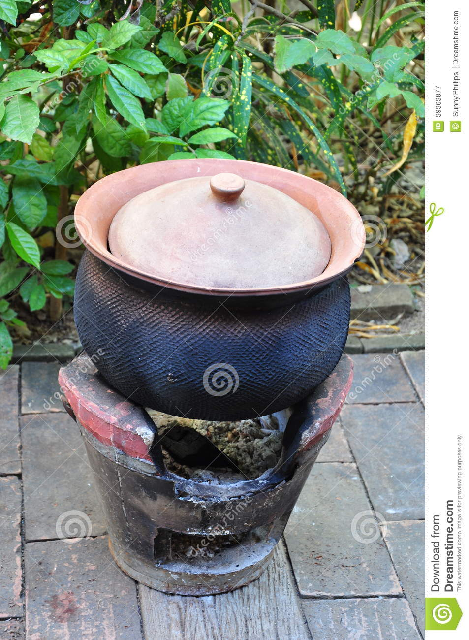 Clay pot in Thai cuisine stock image. Image of brown ...