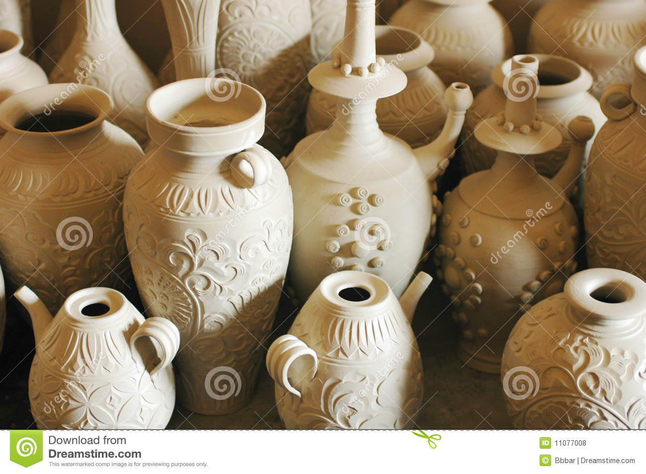 Clay pots and vases stock photo image of earth handcraft 11077008 clay pots and vases reviewsmspy