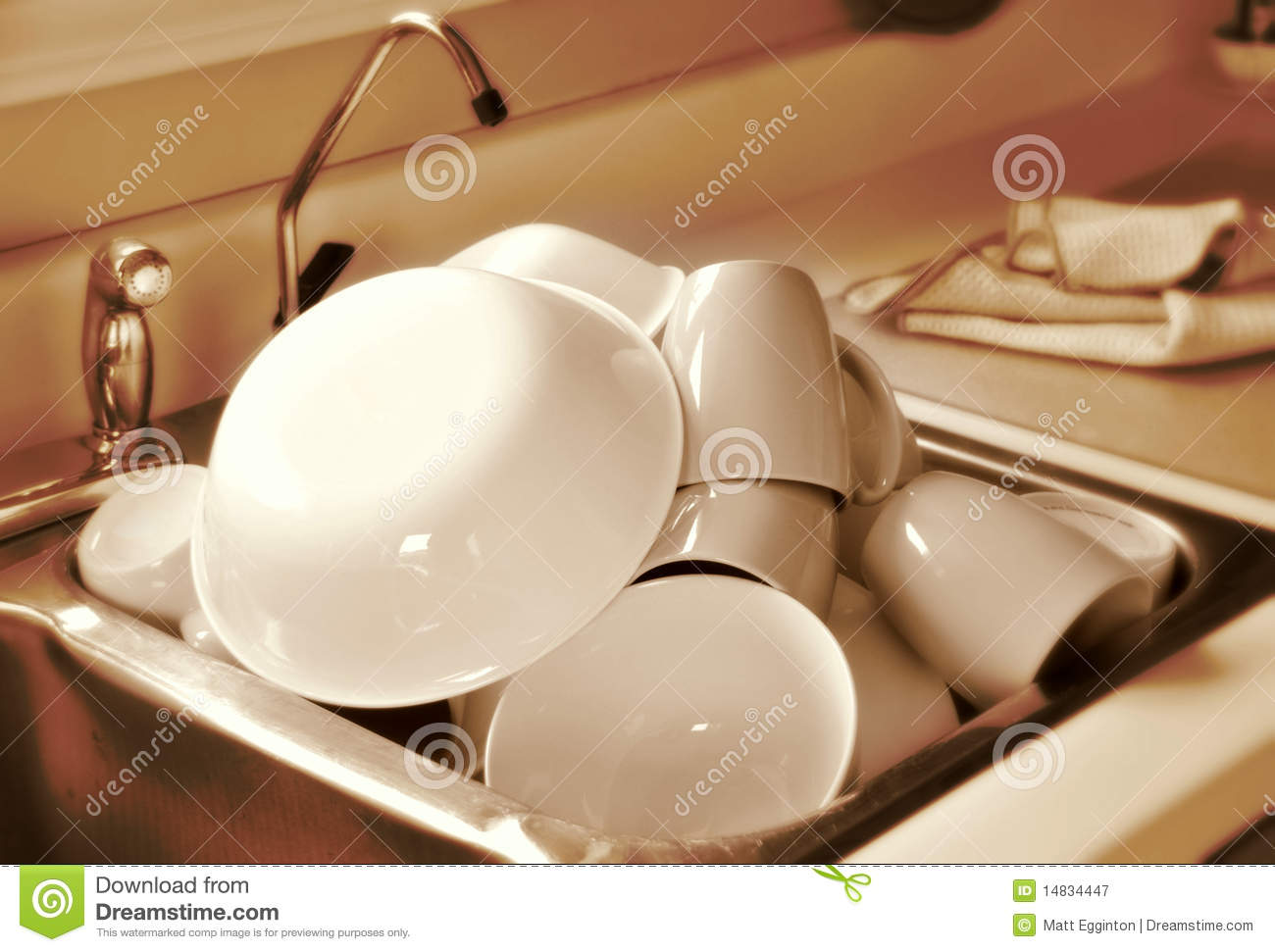 Clean Dishes In Sink Stock Image Image Of Dishware Shiny