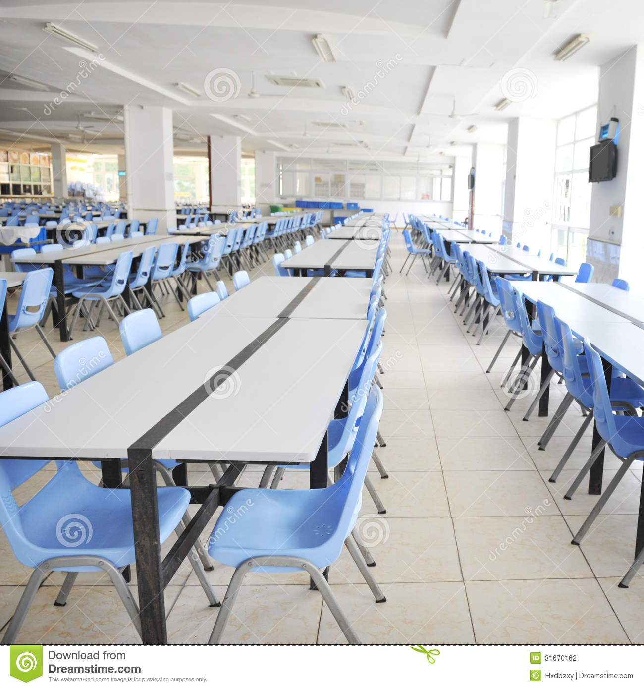 Clean cafeteria tables - Cafeteria Clean